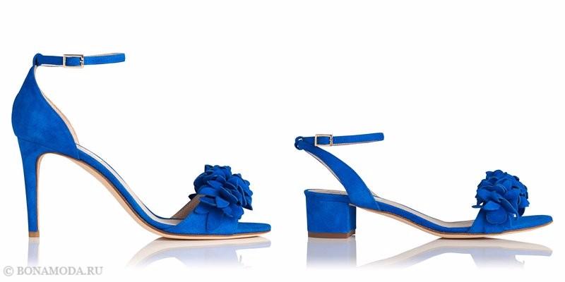 Замшевые туфли коллекции L.K. Bennett лето-2017 - яркие голубые босоножки на каблуке