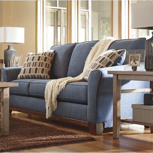 Джинсовый диван - серо-синий оттенок и подушки с принтом