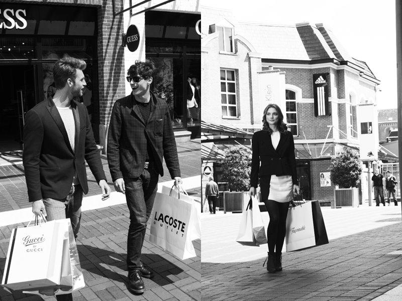 Акция «Чудеса осени» в аутлетах McArthurGlen - черно-белое фото, шопинг с дизайнерскими пакетами