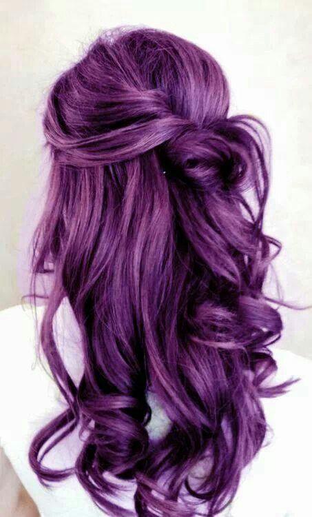 Фиолетовые волосы - длинные крупные локоны и баклажаново-сливовый оттенок