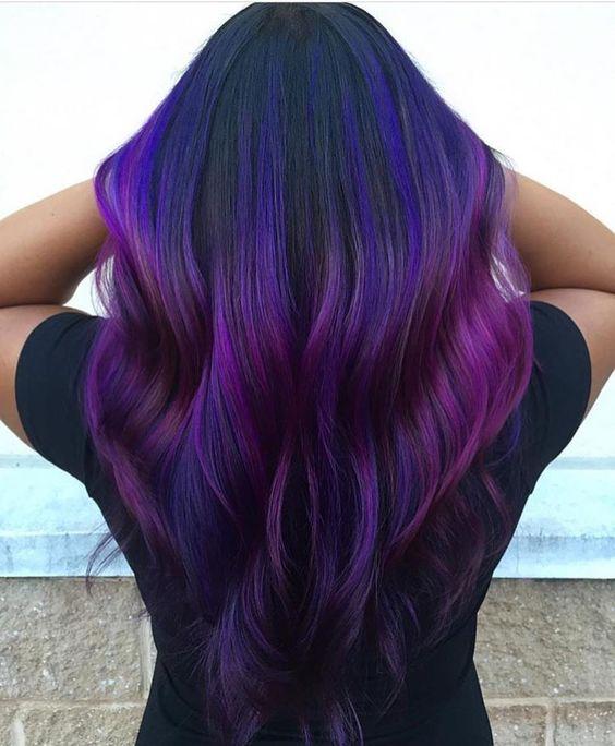 Фиолетовые волосы - оттенки индиго и маджента в виде омбре и балаяж