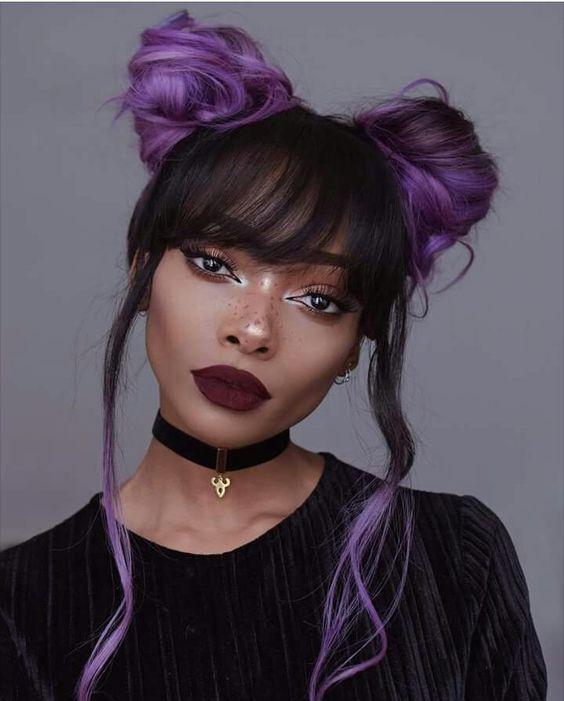 Фиолетовые волосы - высокие пучки и прямая чёлка