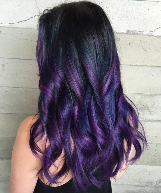 Фиолетовые волосы - омбре и локоны для брюнеток
