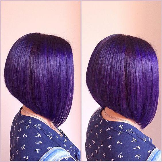 Фиолетовые волосы - гладкий асимметричный боб в оттенке индиго