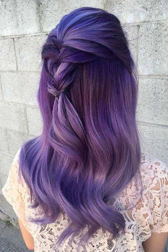 Фиолетовые волосы - длинные с косой в технике омбре