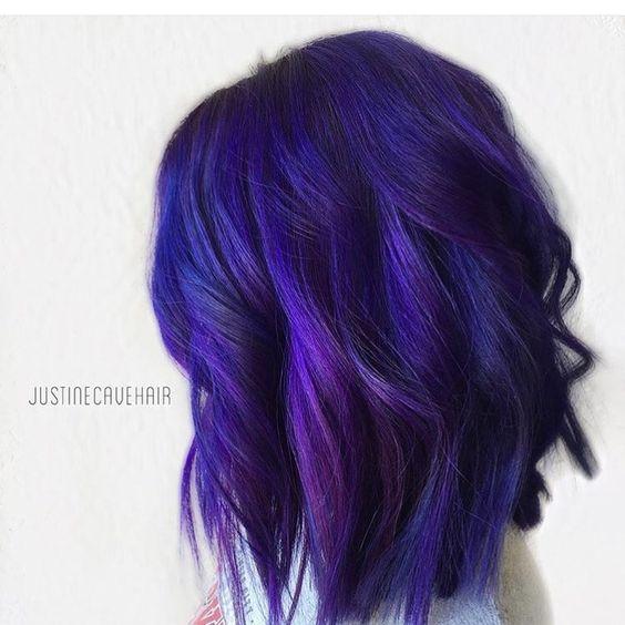 Фиолетовые волосы - индиго для боб-каре с локонами
