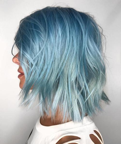 Голубые волосы - цвет на платиновых волосах стрижки боб-каре ступеньками