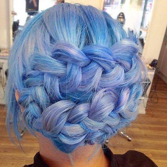 Голубые волосы - красивая коса-корона