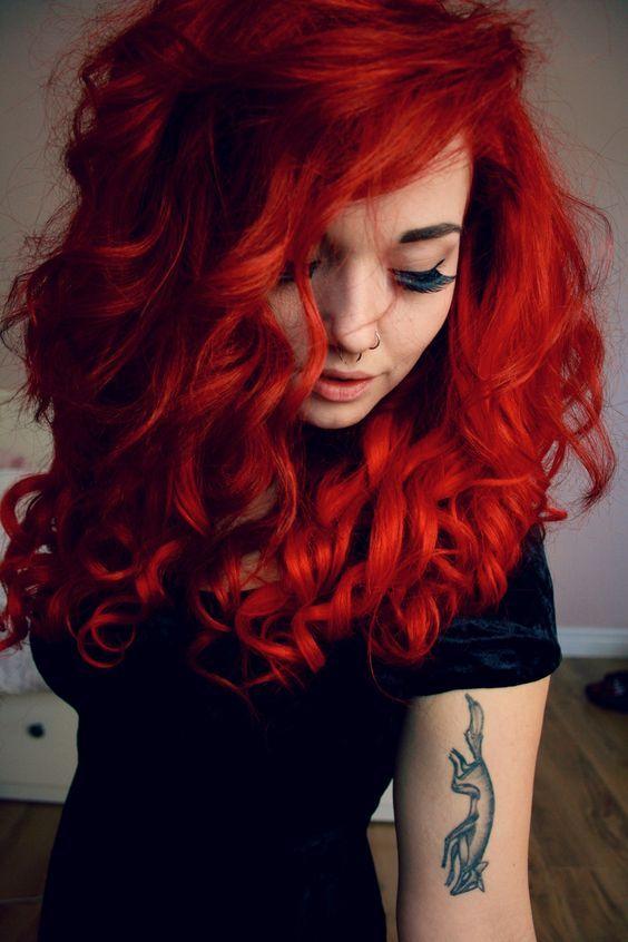 Красные волосы - длинные густые огненные локоны