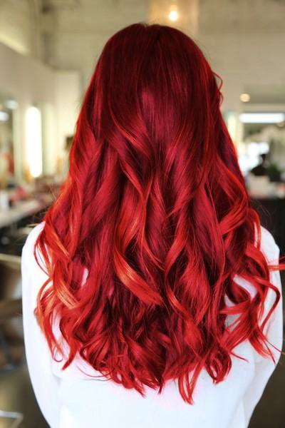 Красные волосы - длинные крупные локоны
