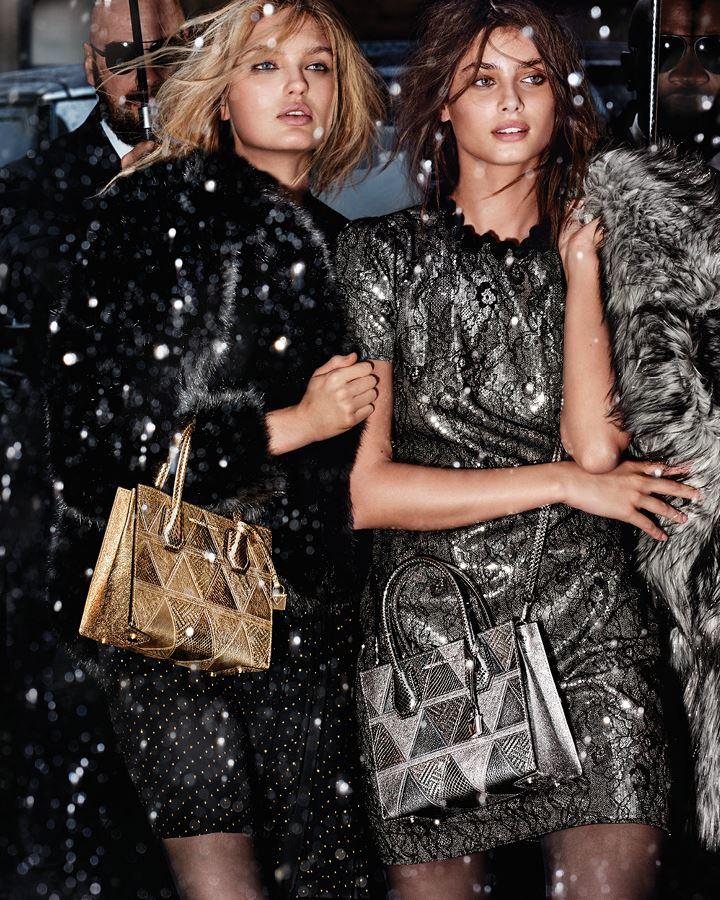 MICHAEL Michael Kors Holiday 2018 - коктейльные платья с золотой и серебряной сумкой