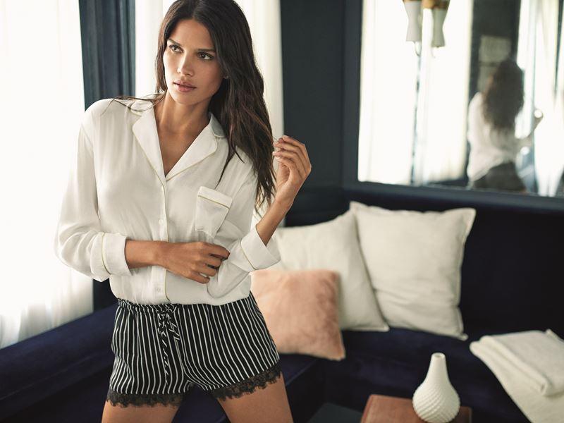Women'secret - белая сорочка с полосатыми шортами