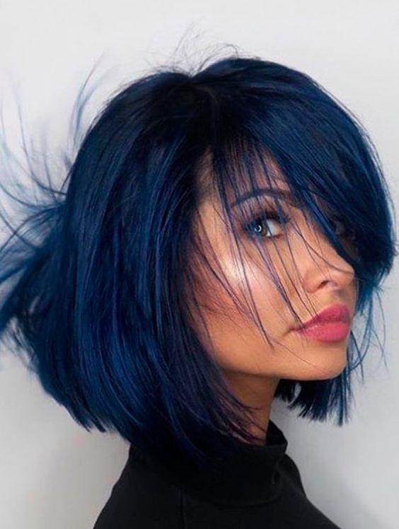 Синие волосы - короткий стильный боб каре