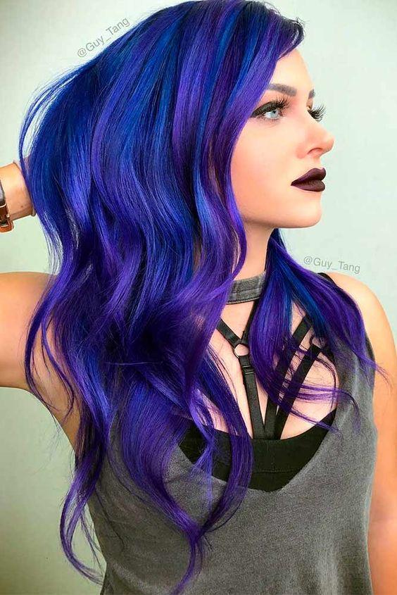 Синие волосы - длинные локоны, сочетающие голубой и фиолетовый