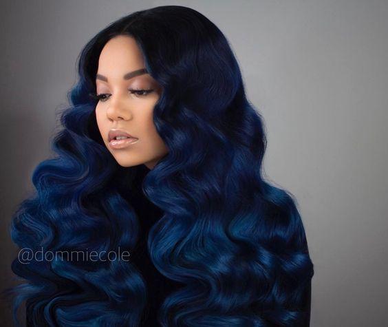 Синие волосы - длинные густые локоны тёмного цвета