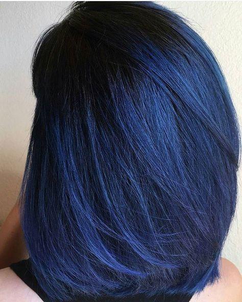 Синие волосы - длинный гладкий боб-каре