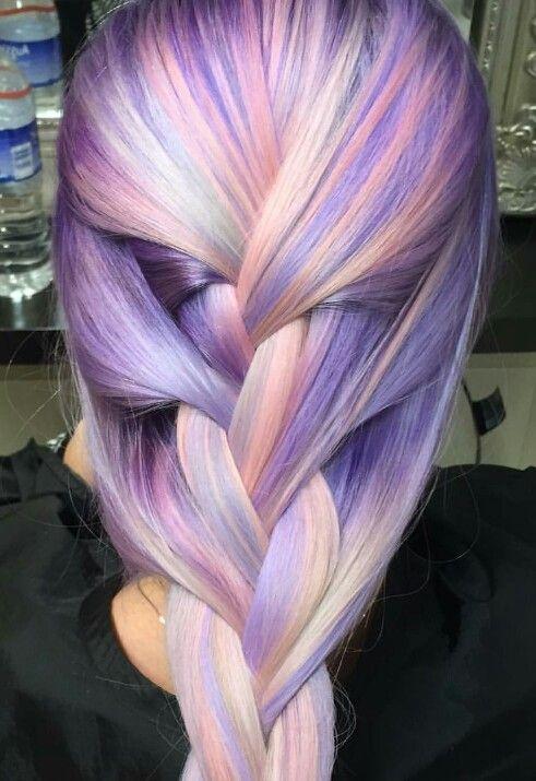 Сиреневые и лиловые волосы: коса с цветными прядями