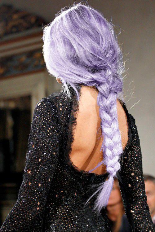 Сиреневые и лиловые волосы: длинная сиреневая коса