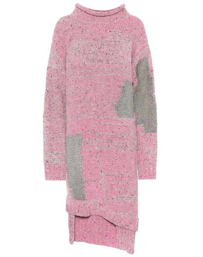 Тёплые вязаные платья-свитер 2018 - розово-серое с длинными рукавами