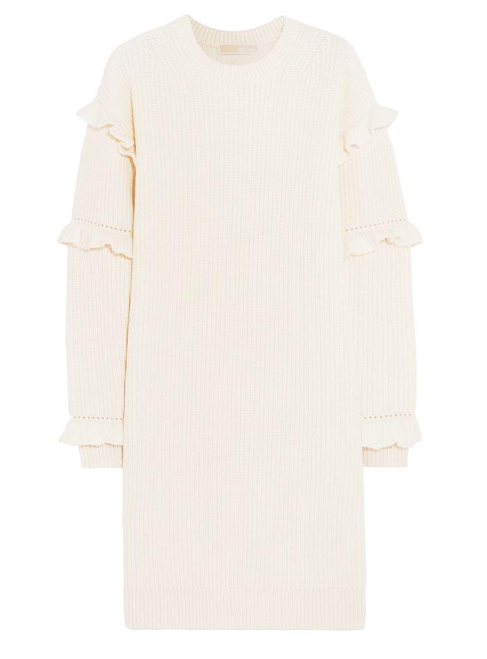 Тёплые вязаные платья-свитер 2018 - белое кремовое с воланами на длинных рукавах