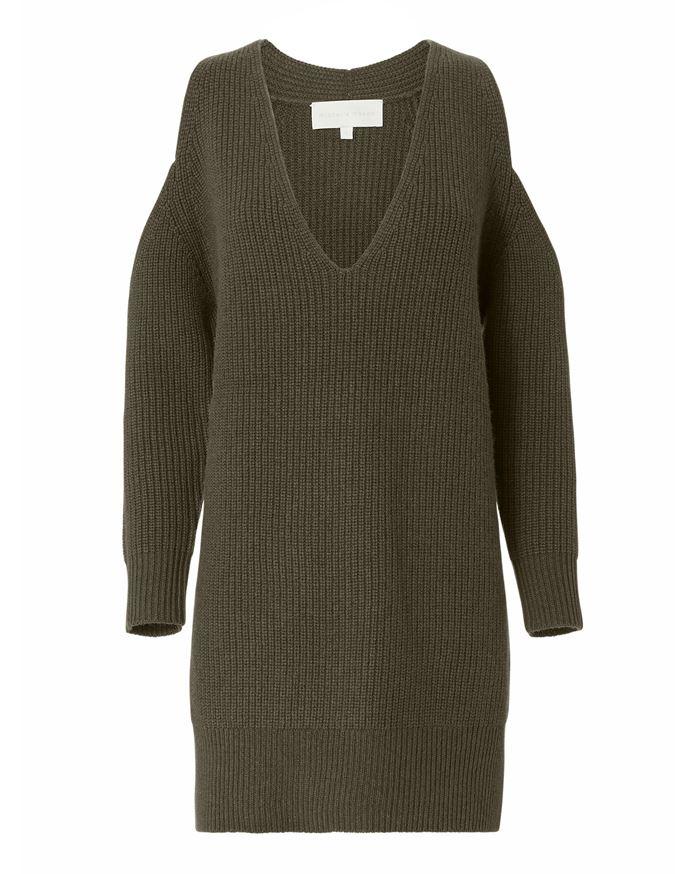 Тёплые вязаные платья-свитер 2018 -  зеленый хаки с V-образным вырезом