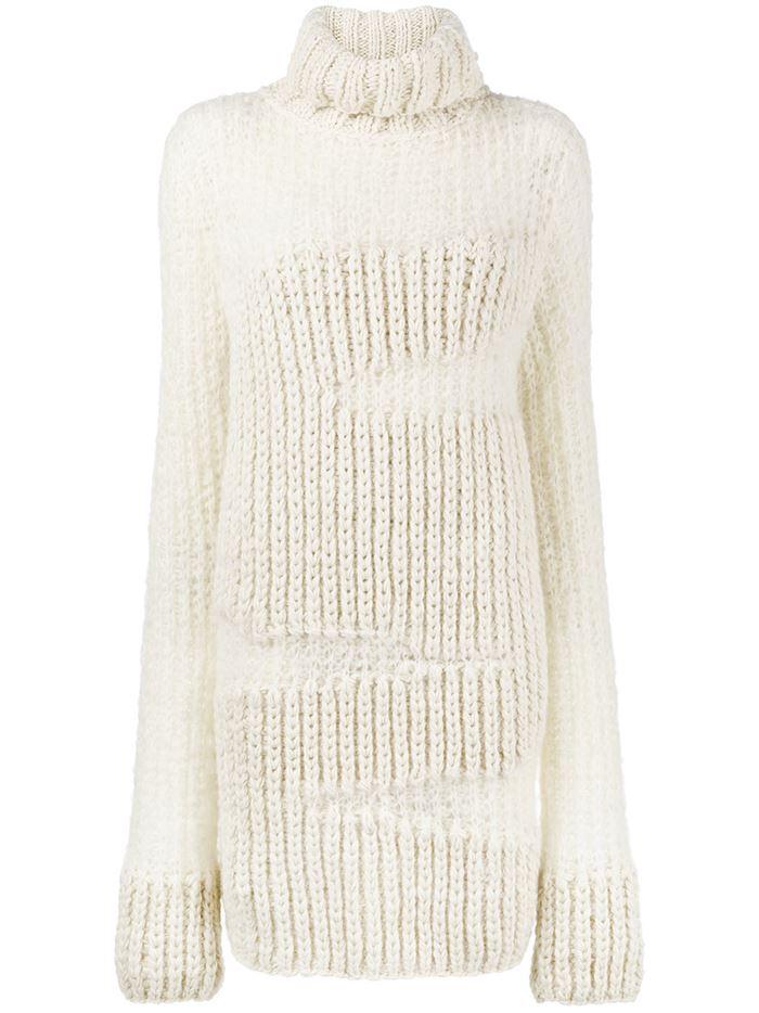 Тёплые вязаные платья-свитер 2018 - белый, объёмной вязки с высоким воротом
