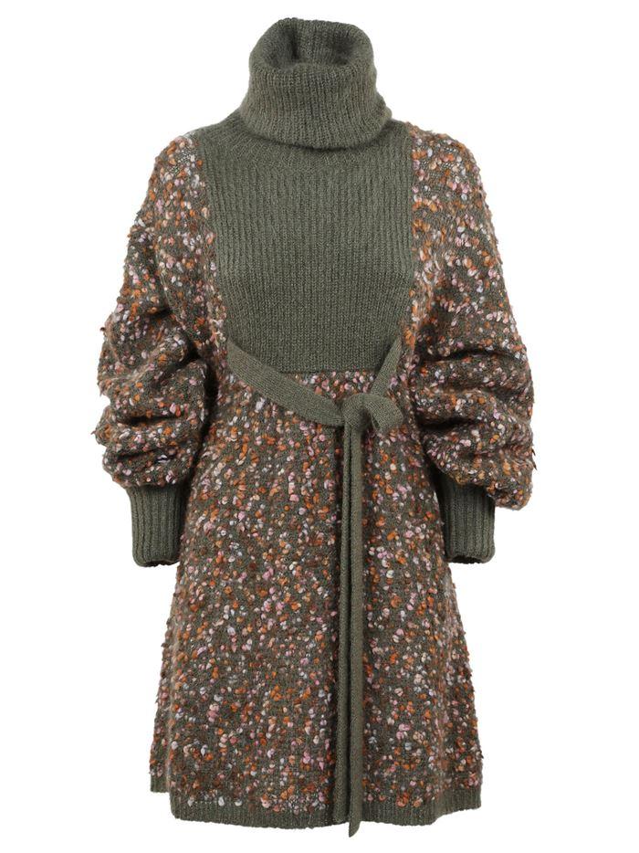 Тёплые вязаные платья-свитер 2018 - коричневое-хаки приталенное и с поясом