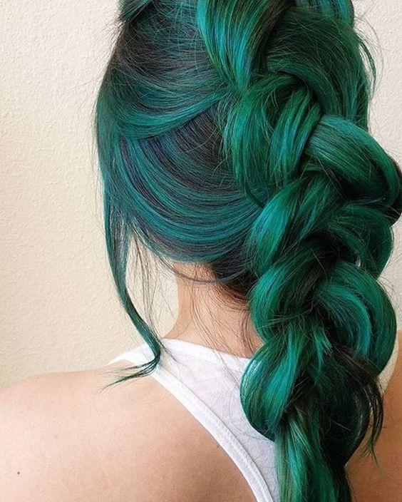 Зелёные волосы - изумрудная французская коса наоборот