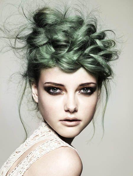 Зелёные волосы - свадебная причёска с косой-короной