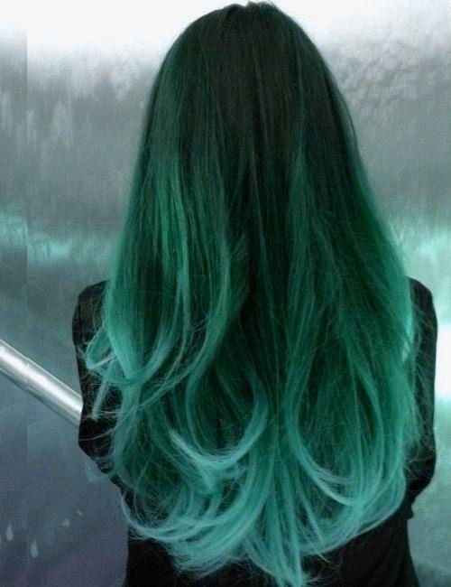 Зелёные волосы - модное омбре на большую длину