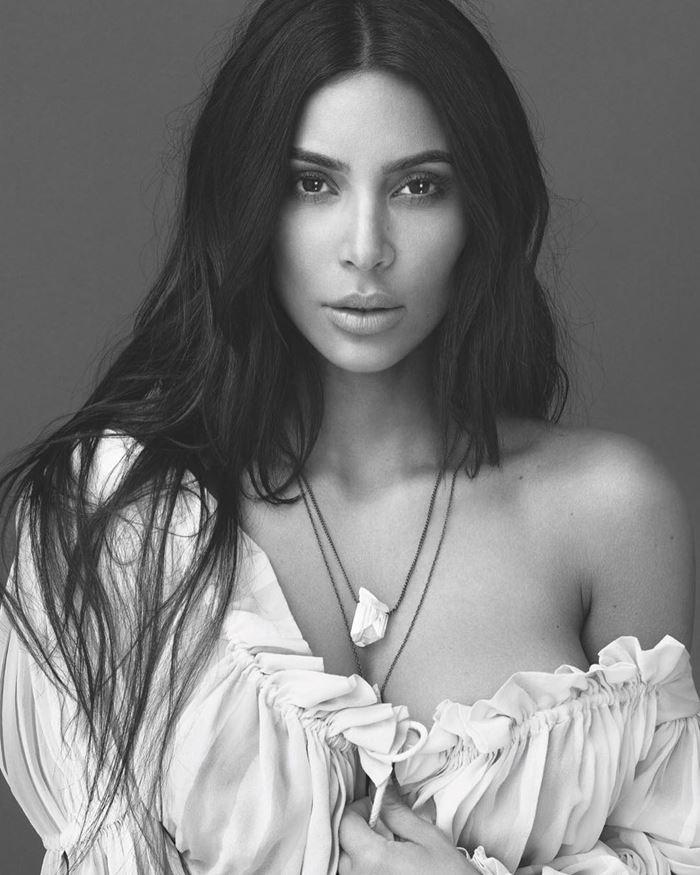 Ким Кардашьян выпустила ароматы с нотами гардении