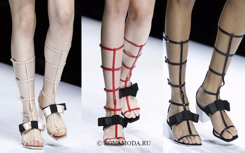 Модная женская обувь весна-лето 2018 - римские сапоги на ремешках