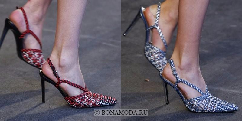 Модная женская обувь весна-лето 2018 - плетеные остроносые туфли на шпильке