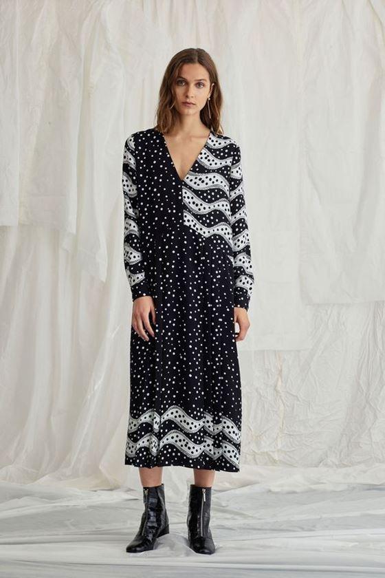 Платья в горошек весна-лето 2018 - чёрно-белое повседневное миди с длинным рукавом