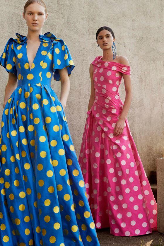 Платья в горошек весна-лето 2018 - голубое и розовое длинное вечернее