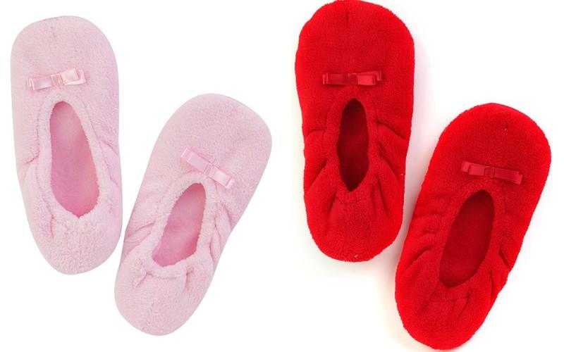 ТВОЕ коллекция домашней одежды - розовые и красные мягкие тапочки