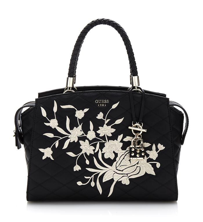 Коллекция сумок Guess весна-лето 2018 - чёрная стёганая сумка tote с цветочной аппликацией