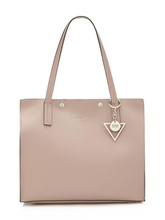Коллекция сумок Guess весна-лето 2018 - кремово-бежевая кожаная сумка шоппер