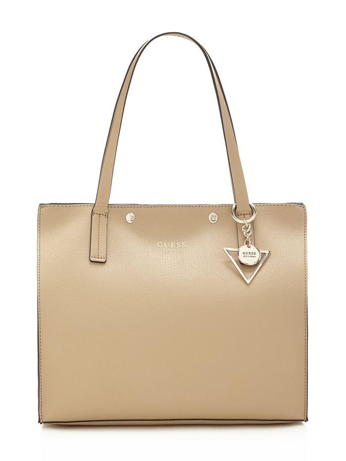 Коллекция сумок Guess весна-лето 2018 - сумка шоппер из кожи оттенка золотистого шампанского