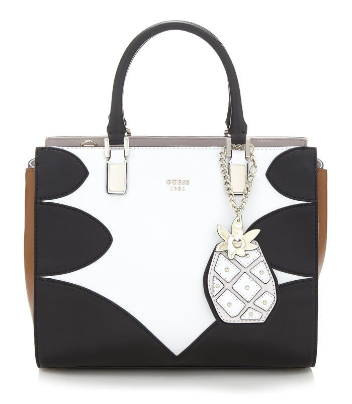 Коллекция сумок Guess весна-лето 2018 - чёрно-белая квадратная сумка tote с подвеской-ананасом