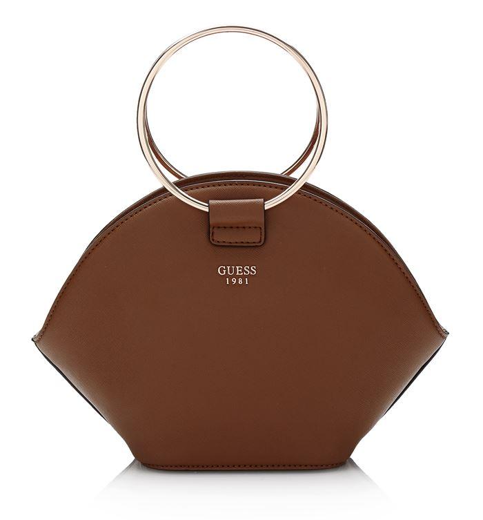 Коллекция сумок Guess весна-лето 2018 - коричневая жёсткая сумка-трапеция с ручками-кольцами
