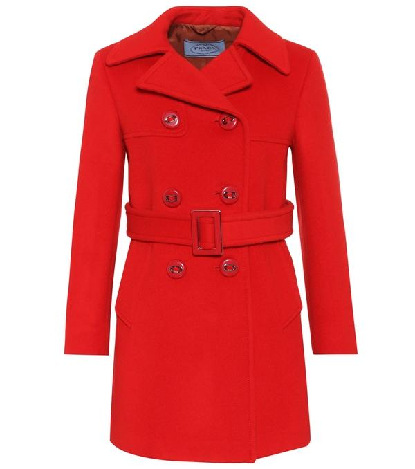 Красные пальто 2018 - Короткое двубортное пальто-бушлат с поясом Prada