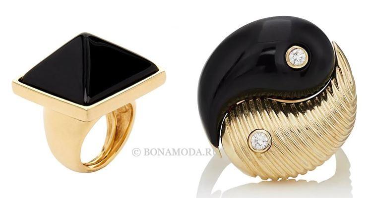 Модные женские кольца 2018 - кольца из жёлтого золота с чёрными камнями