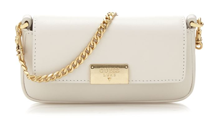 Сумки Guess Luxe весна-лето 2018 - сумка клатч-багет оттенка слоновой кости на ручке-цепочке