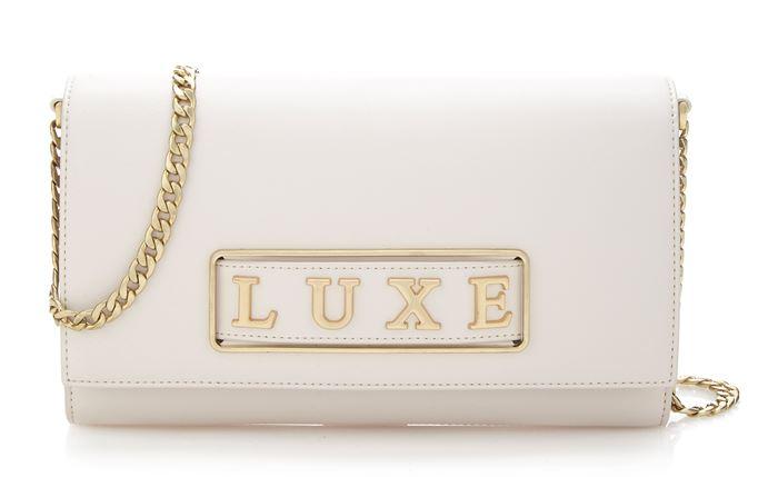 Сумки Guess Luxe весна-лето 2018 - клатч оттенка слоновой кости на цепочке