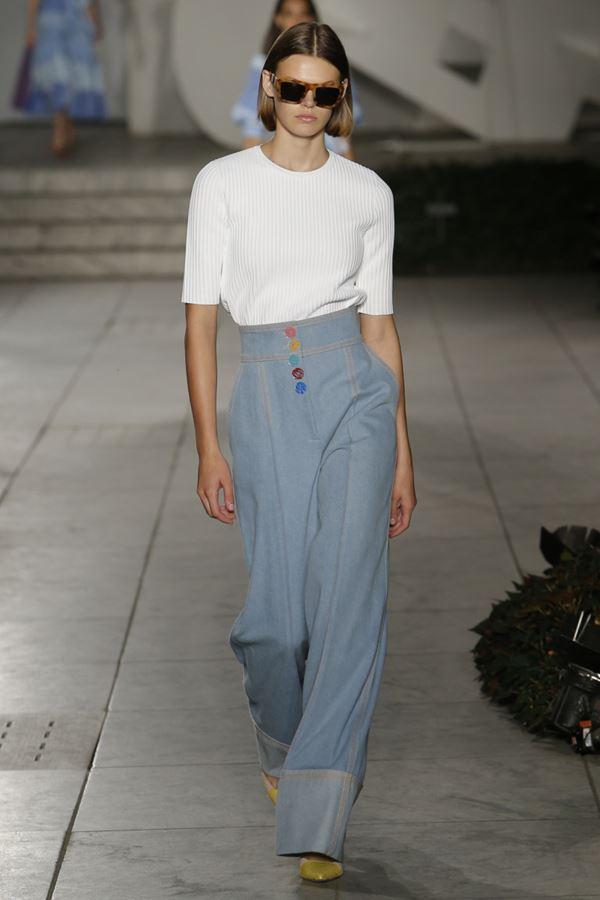 Женские джинсы весна-лето 2018 - Широкие голубые джинсы палаццо