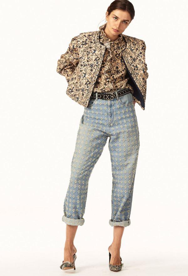 Женские джинсы весна-лето 2018 - подвёрнутые протёртые джинсы