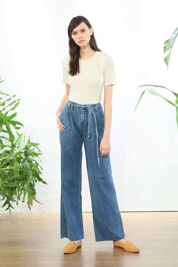Женские джинсы весна-лето 2018 - Широкие джинсы на резинке и шнурке