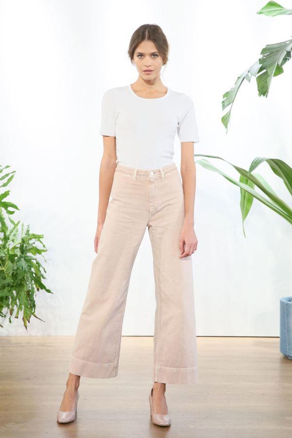 Женские джинсы весна-лето 2018 - Бежевые джинсы-кюлоты