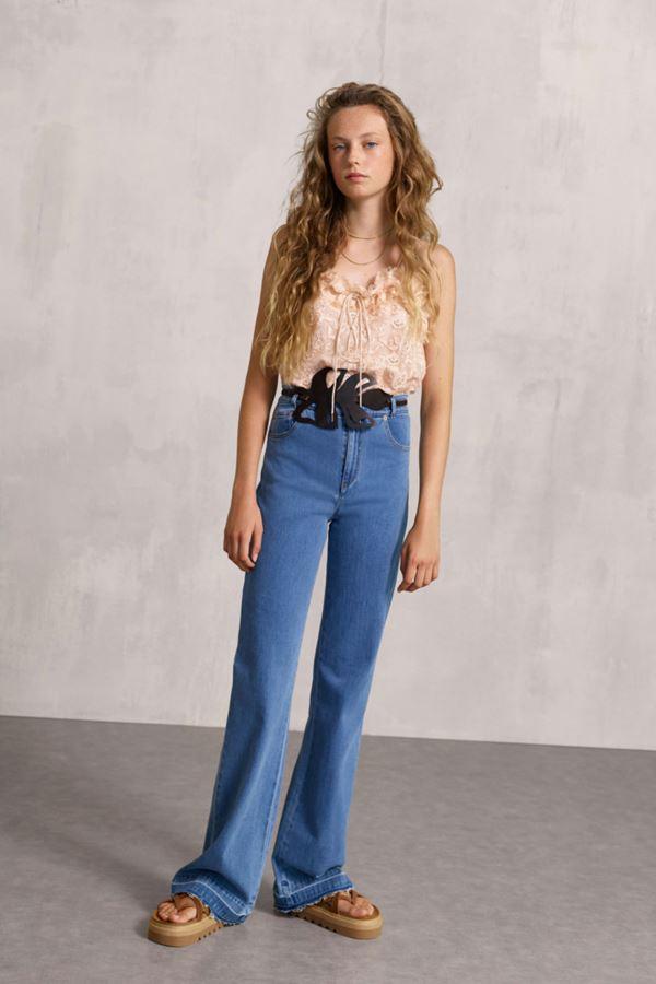 Женские джинсы весна-лето 2018 - Длинные расклешённые джинсы